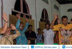 BUPATI HADIRI KKR PONDOK DAUN TATUI (7)